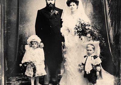 Jannie 54 en Elizabeth 38 in 1905 op hulle troudag